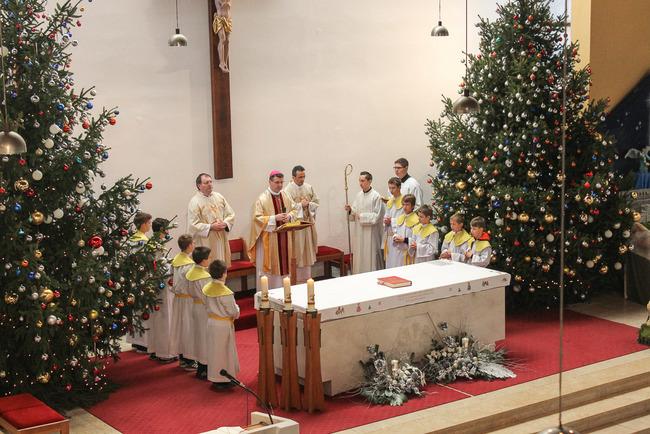 prigodan tekst za božićne čestitke Događanja u dekanatu 2   Župa Sv. Franje Ksaverskog   Švarča  prigodan tekst za božićne čestitke
