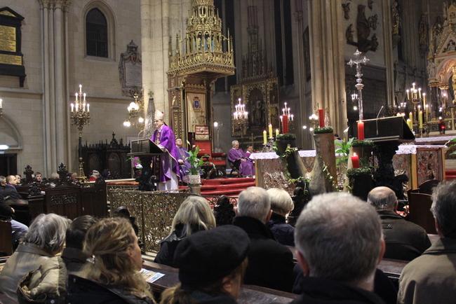 prigodne čestitke za mladu misu Pomoćni biskup zagrebački Ivan Šaško i rektor Hrvatskog katoličkog  prigodne čestitke za mladu misu