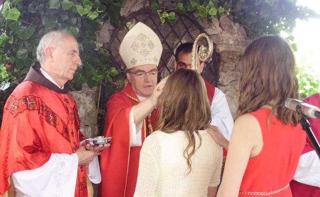 čestitke povodom krizme Župljani župe Presvetog Srca Isusova iz Karlovca u petak, 27. lipnja  čestitke povodom krizme