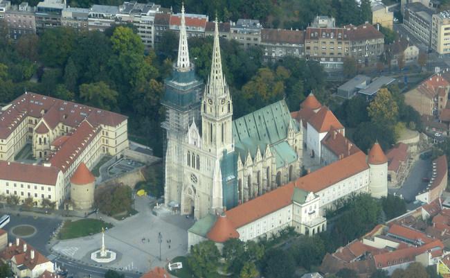 Kratka Povijest Zagrebacke Katedrale Zagrebacka Nadbiskupija
